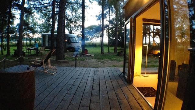camp 9 camping pole namiotowe tarnowskie gory jezioro kamper
