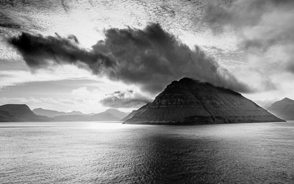 samochodem po Islandii. Widok z pokładu Smyrilline na Wyspy Owcze.